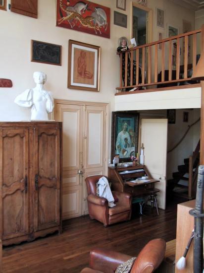 at-angle-entree-mezzanine.jpg