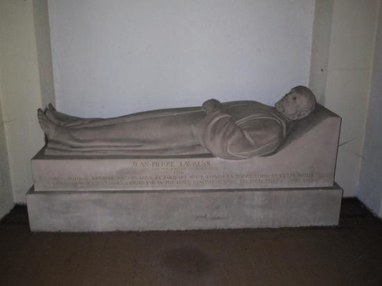 gisant-de-jean-pierre-laurens-1.jpg